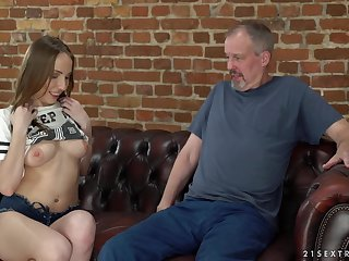 Brunette Lina Mercury uses her blowjob skills to please an older tramp